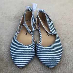 Old Navy Toddler size 7 ankle strap flats